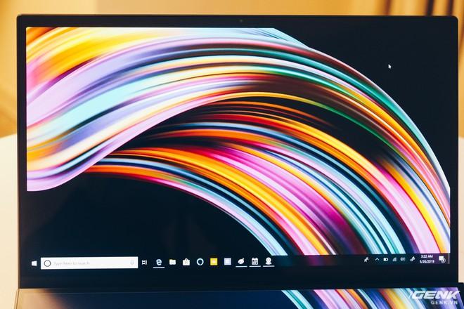 Cận cảnh Asus ZenBook Pro Duo vừa ra mắt với màn hình phụ cực lớn, màn hình chính OLED 4K, chip Core i9 - Ảnh 8.