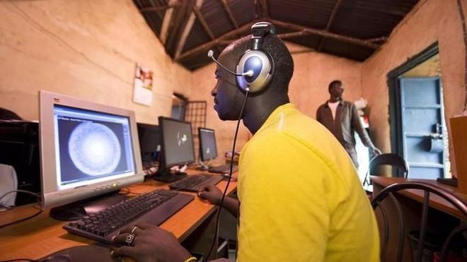 Trải nghiệm quán net ở châu Phi: Mở web mất 5 phút, có nơi thu phí cắt cổ tới 400.000 đồng/giờ - Ảnh 8.