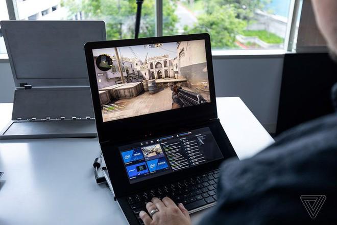 Cận cảnh nguyên mẫu laptop chơi game 2 màn hình Honeycomb Glacier của Intel - Ảnh 2.