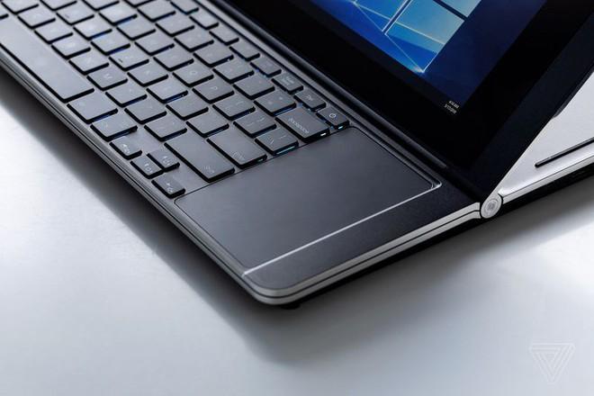 Cận cảnh nguyên mẫu laptop chơi game 2 màn hình Honeycomb Glacier của Intel - Ảnh 6.