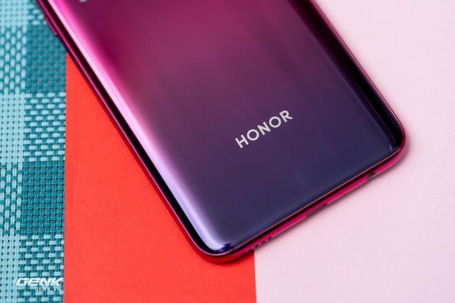 Đánh giá Honor 20 Lite - Chữ Lite được nhấn hơi mạnh - Ảnh 19.