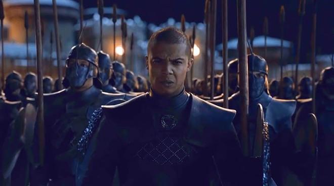 Đạo diễn hình ảnh đổ lỗi cho TV, fan bèn kéo sáng tập 3 SS8 Game of Thrones và phát hiện ra nhiều điều thú vị - Ảnh 3.