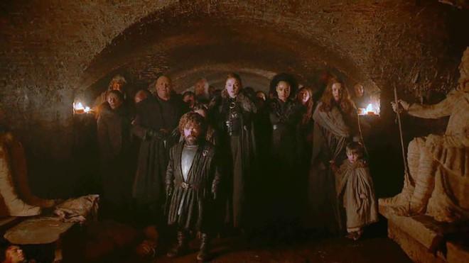 Đạo diễn hình ảnh đổ lỗi cho TV, fan bèn kéo sáng tập 3 SS8 Game of Thrones và phát hiện ra nhiều điều thú vị - Ảnh 24.