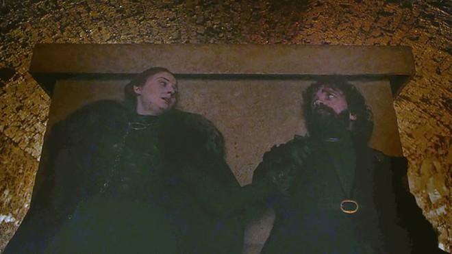 Đạo diễn hình ảnh đổ lỗi cho TV, fan bèn kéo sáng tập 3 SS8 Game of Thrones và phát hiện ra nhiều điều thú vị - Ảnh 29.