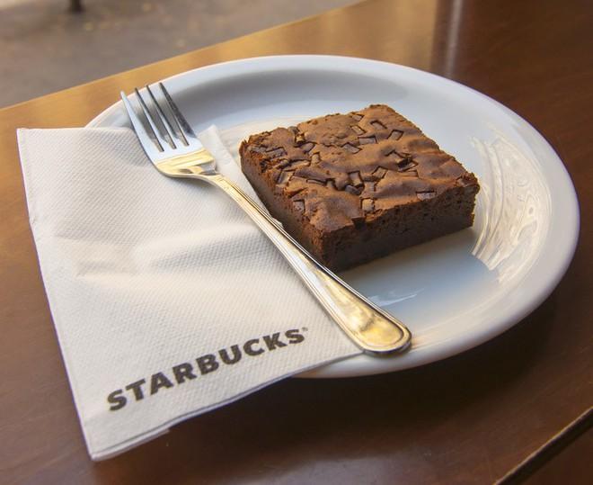 9 thủ thuật tâm lý Starbucks áp dụng để thao túng khách hàng - Ảnh 8.