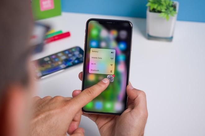 Không riêng gì Trung Quốc, tài liệu của Apple cho thấy doanh số iPhone đang sụt giảm trên toàn cầu - Ảnh 1.