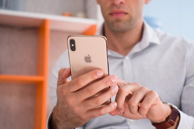 Không riêng gì Trung Quốc, tài liệu của Apple cho thấy doanh số iPhone đang sụt giảm trên toàn cầu - Ảnh 3.