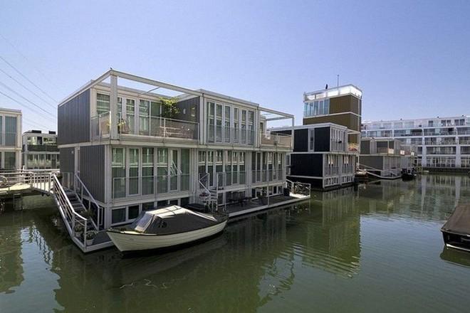 Chiêm ngưỡng cả trăm ngôi nhà được xây nổi trên mặt nước: Quần thể kiến trúc đáng tự hào của Amsterdam - Ảnh 6.
