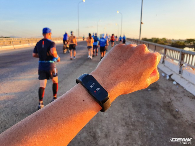 Trải nghiệm và đánh giá Galaxy Fit sau 21km chạy marathon - Ảnh 4.