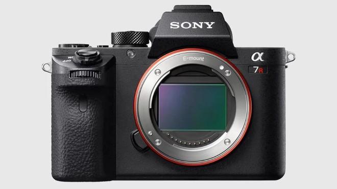 Ý kiến cá nhân: Canon không nên chạy theo xu hướng máy ảnh không gương lật - Ảnh 2.