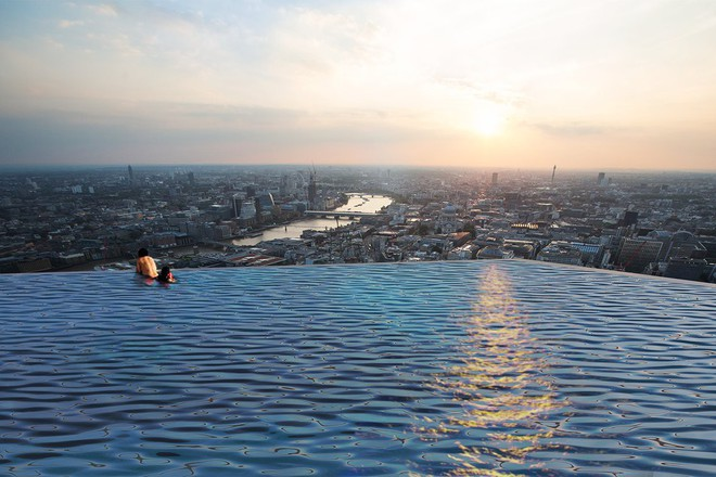 Ngắm nhìn bể bơi vô cực trên nóc tòa nhà ở London - Ảnh 5.