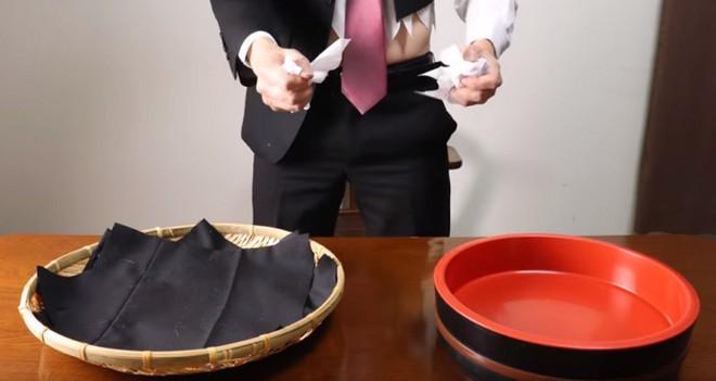 Giải trí nhẹ nhàng với video stop-motion dạy làm sushi từ... iPhone, áo vest - Ảnh 3.