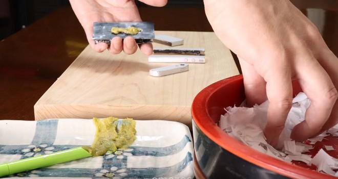Giải trí nhẹ nhàng với video stop-motion dạy làm sushi từ... iPhone, áo vest - Ảnh 5.