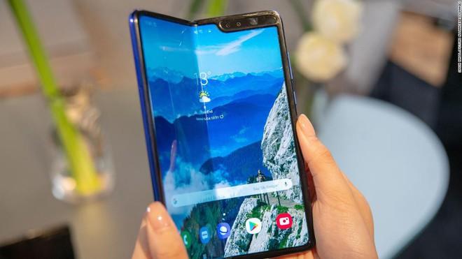 Galaxy Fold có thể sẽ được ra mắt cùng với Galaxy Note 10 vào tháng 8 tới đây - Ảnh 2.
