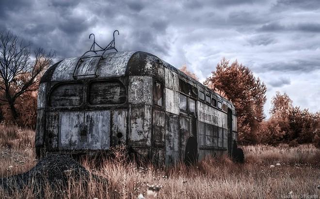 Từ vùng đất ma không ai dám bén mảng, nhà máy điện hạt nhân Chernobyl bỗng hóa xứ sở thần tiên đẹp lịm tim qua lăng kính của nhiếp ảnh gia - Ảnh 28.