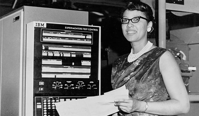 Chuyện về 3 người phụ nữ giúp NASA lần đầu chinh phục không gian thành công nhưng lại bị chính nước Mỹ lãng quên - Ảnh 4.