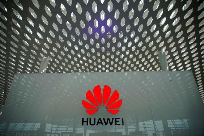 Chuyên gia cho rằng Huawei sẽ tăng phí bản quyền công nghệ với các công ty Mỹ để trả đũa - Ảnh 1.