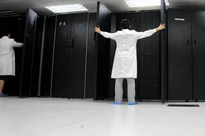 Trung Quốc thất bại trong việc giành ngôi vị quốc gia có siêu máy tính nhanh nhất thế giới của Mỹ - Ảnh 1.
