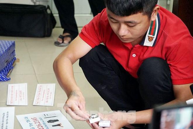 Bắt đường dây cung cấp tai nghe siêu nhỏ phục vụ gian lận thi cử - Ảnh 5.