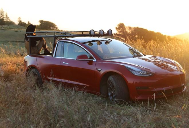 YouTuber thừa tiền cưa đôi Tesla Model 3 thành xe bán tải - Ảnh 4.