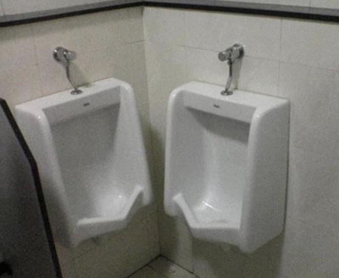 Thiết kế siêu thảm họa của 11 WC này khiến bạn tự nhủ thà nhịn còn hơn - Ảnh 8.