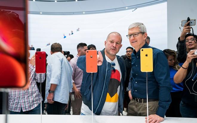Trưởng bộ phận thiết kế nổi tiếng của Apple - Jony Ive sẽ rời công ty sau 30 năm cống hiến - Ảnh 1.