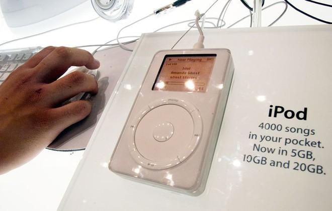 Jony Ive thực ra đã nghỉ việc từ vài năm trước và đó chính là lý do tại sao Apple dậm chân tại chỗ về thiết kế - Ảnh 2.