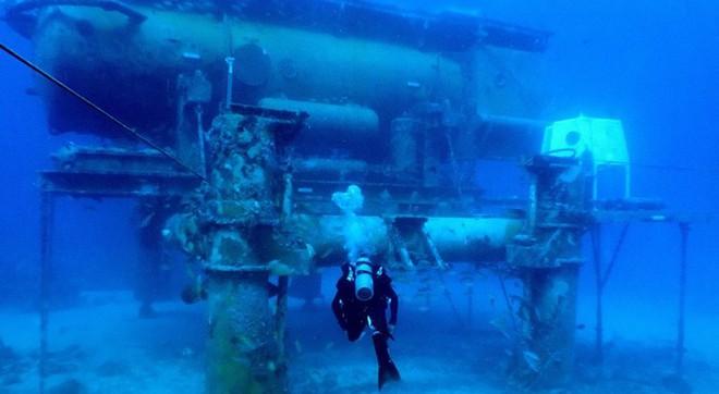 NASA huấn luyện các phi hành gia tham gia sứ mệnh Mặt Trăng trong phòng thí nghiệm dưới biển ở độ sâu 19 mét - Ảnh 4.