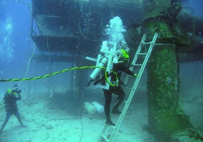 NASA huấn luyện các phi hành gia tham gia sứ mệnh Mặt Trăng trong phòng thí nghiệm dưới biển ở độ sâu 19 mét - Ảnh 9.