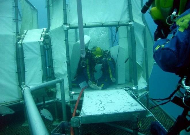 NASA huấn luyện các phi hành gia tham gia sứ mệnh Mặt Trăng trong phòng thí nghiệm dưới biển ở độ sâu 19 mét - Ảnh 8.