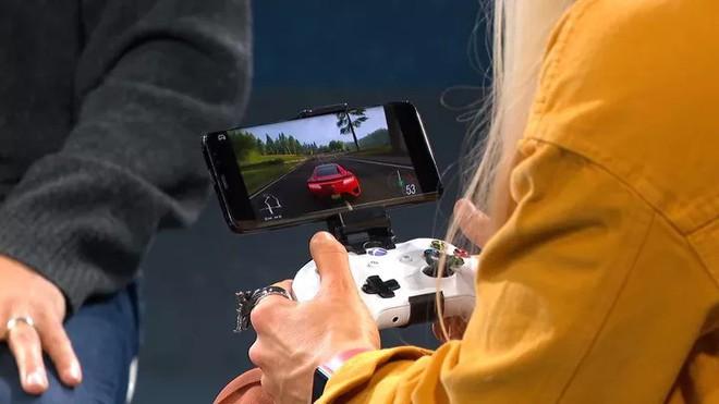"""Microsoft """"nhá hàng"""" một thiết bị Surface bí ẩn có màn hình kép - Ảnh 4."""