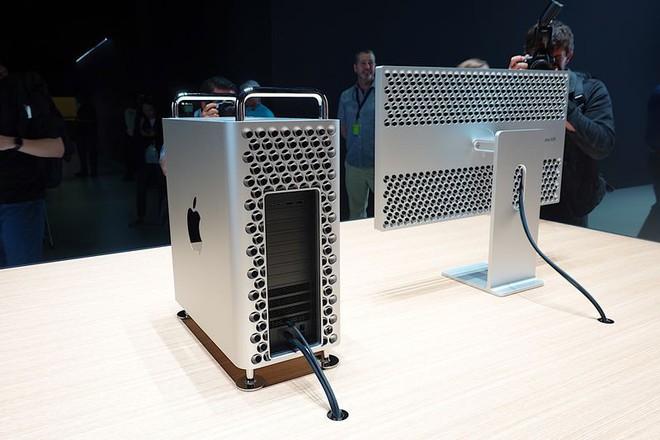 Cận cảnh Mac Pro mới: Thiết kế tối giản, ám ảnh những người sợ lỗ - Ảnh 2.