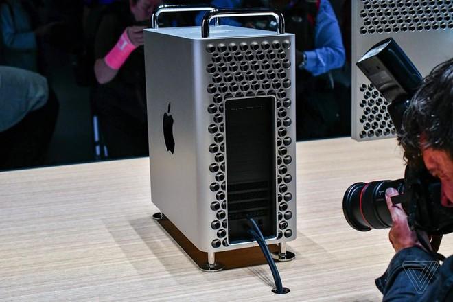 Cận cảnh Mac Pro mới: Thiết kế tối giản, ám ảnh những người sợ lỗ - Ảnh 3.