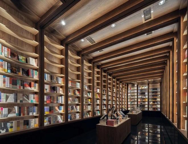 Cách bài trí gây ảo giác của nhà sách Trung Quốc khiến du khách lú lẫn như lạc vào mê cung - Ảnh 7.