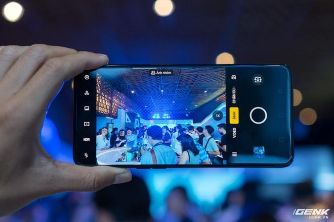 Oppo Reno chính thức ra mắt: 21 triệu đồng cho phiên bản cao cấp nhất, cú tấn công trực diện đến Samsung - Ảnh 6.