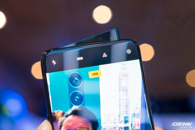 Oppo Reno chính thức ra mắt: 21 triệu đồng cho phiên bản cao cấp nhất, cú tấn công trực diện đến Samsung - Ảnh 2.