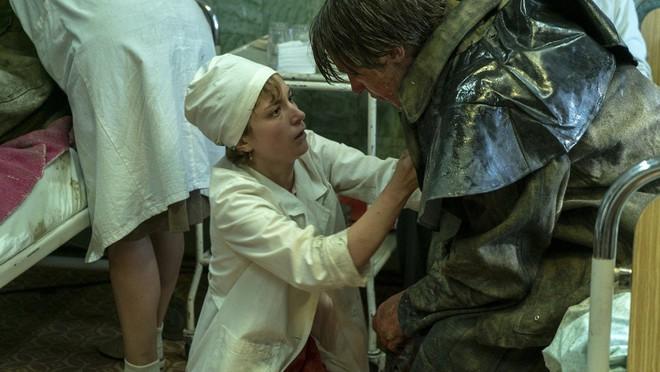 Chernobyl: Khúc ca bi tráng về thảm họa hạt nhân trở thành TV series có điểm số IMDb cao nhất mọi thời đại - Ảnh 10.