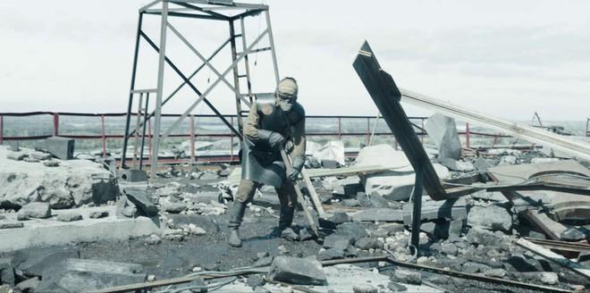 Chernobyl: Khúc ca bi tráng về thảm họa hạt nhân trở thành TV series có điểm số IMDb cao nhất mọi thời đại - Ảnh 11.