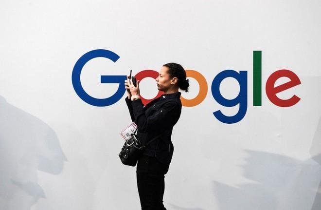Lo ngại Huawei thừa sức đứng vững bằng hệ điều hành riêng, Google mong muốn nối lại hợp tác - Ảnh 1.