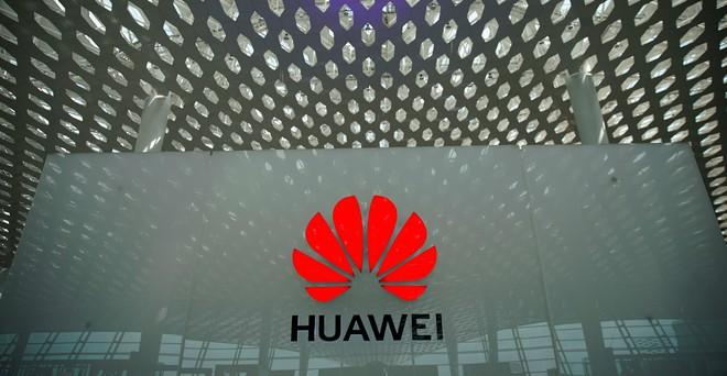 Bộ Thương mại Mỹ cho phép bán hàng cho Huawei, nhưng không dễ làm được điều đó - Ảnh 1.