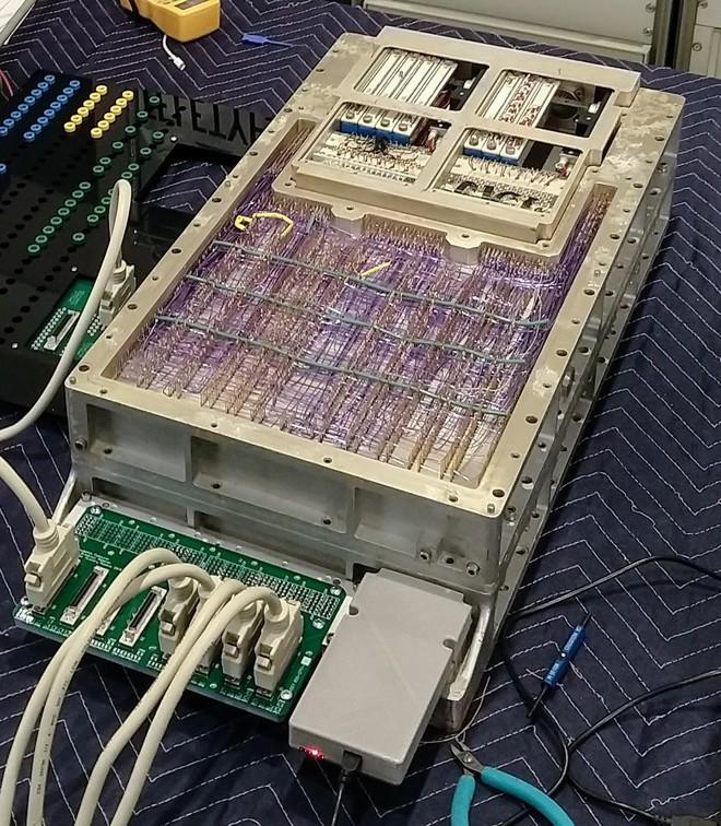 Thanh niên dùng máy tính từng đưa con người lên Mặt Trăng để đào Bitcoin, không hiểu đến kiếp nào mới được 1 BTC - Ảnh 2.