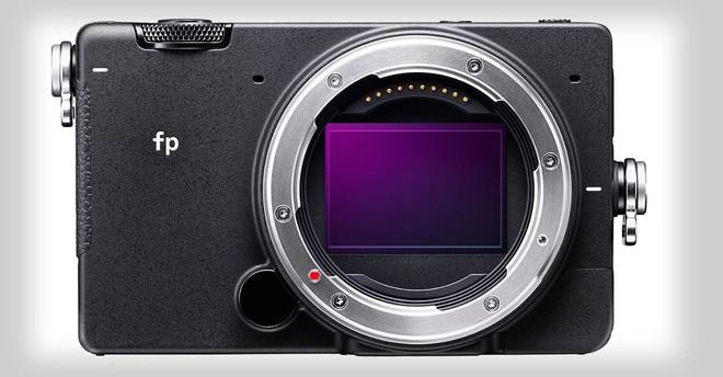 Sigma công bố FP: Máy ảnh Full-frame không gương lật nhỏ nhất Thế giới - Ảnh 1.
