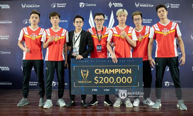 Kỳ tích: Đội tuyển Việt Nam (Team Flash) đánh bại đối thủ mạnh thế giới, đăng quang ngôi vô địch AWC 2019, rinh giải thưởng 4,6 tỉ đồng - Ảnh 2.