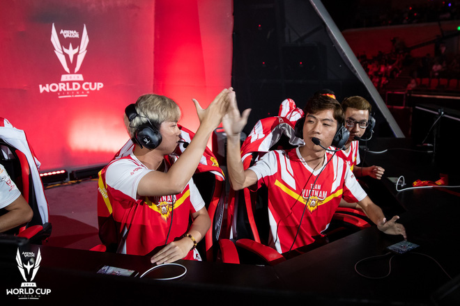 Kỳ tích: Đội tuyển Việt Nam (Team Flash) đánh bại đối thủ mạnh thế giới, đăng quang ngôi vô địch AWC 2019, rinh giải thưởng 4,6 tỉ đồng - Ảnh 10.