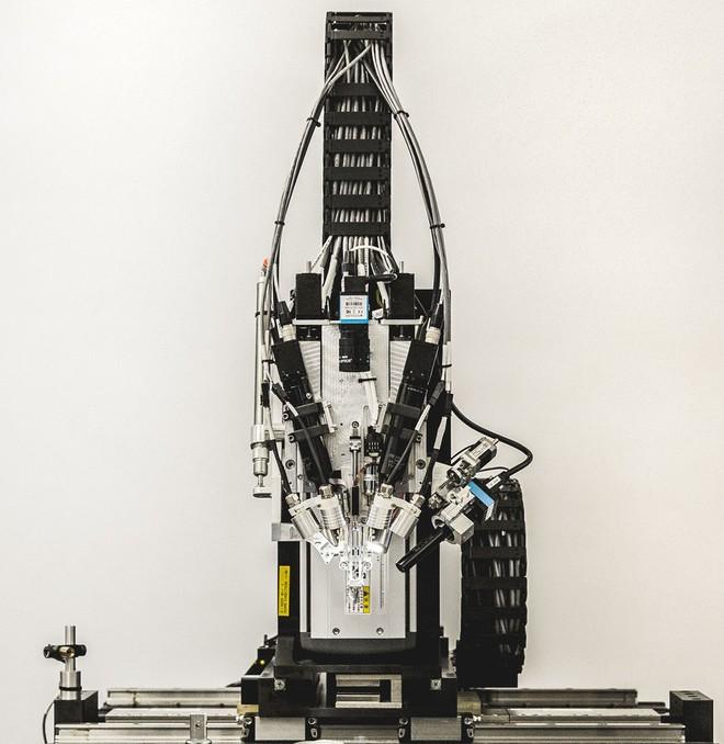 Hôm nay, công ty do Elon Musk đầu tư cả trăm triệu đô vừa công bố thành tựu đột phá: khâu máy móc với não người - Ảnh 4.