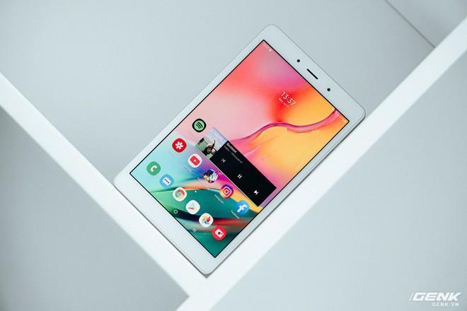 Đánh giá Galaxy Tab A 8.0: Màn hình sáng đẹp, pin tốt, gọi điện nhắn tin được nhưng có đủ để bù lại cho cấu hình? - Ảnh 1.