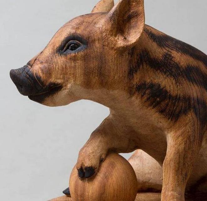 Họa sỹ biến những khúc gỗ vô tri vô giác thành các tác phẩm điêu khắc chân thực đến khó tin - Ảnh 10.