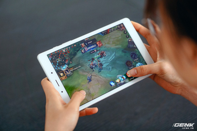 Đánh giá Galaxy Tab A 8.0: Màn hình sáng đẹp, pin tốt, gọi điện nhắn tin được nhưng có đủ để bù lại cho cấu hình? - Ảnh 8.