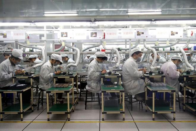Chi tiết về cách công nhân nhà máy lắp ráp iPhone lấy trộm linh kiện bán ra ngoài và vì sao Apple không thể kiện, cũng không thể ngăn chặn điều này - Ảnh 3.