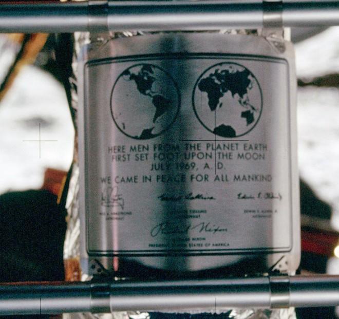 Tại sao ngày xưa chưa có Internet để tìm thông tin mà người ta vẫn tin việc người Mỹ đặt chân lên Mặt Trăng là giả? - Ảnh 4.